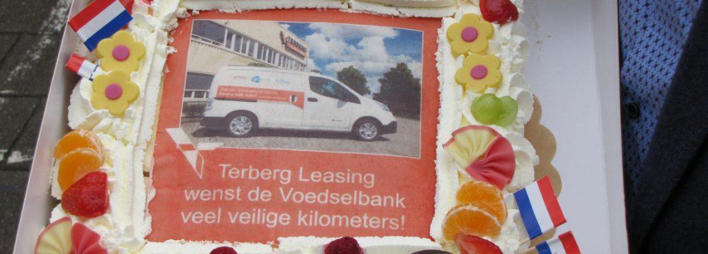feestelijke-ingebruikname-voedselbank-elektrische-bus