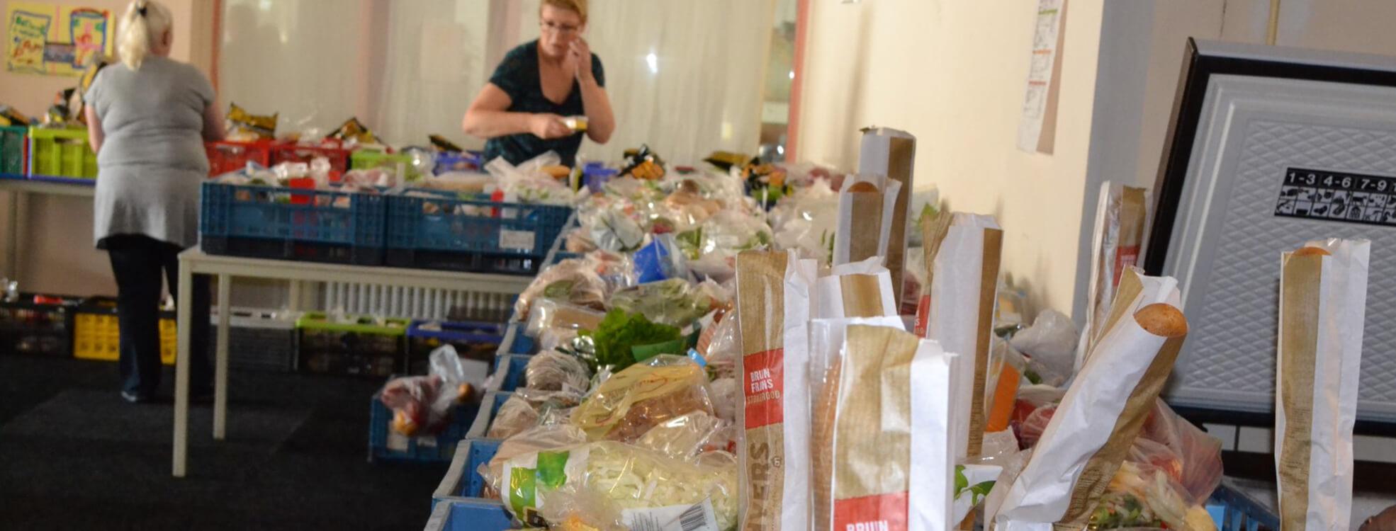 home-slider-voedselbank-pakket